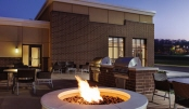 04_TownePlace Suites Harrisburg West Mechanicsburg - BBQ and Picnic Area - 996642.jpg