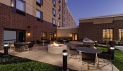 03_TownePlace Suites Harrisburg West Mechanicsburg - BBQ and Picnic Area - 996640.jpg